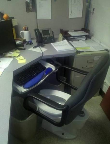 Jobs Are Always Full Of Hilarious Fails And Pranks