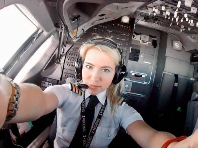 Instagram Female Pilots Are Feeling Good And Share It