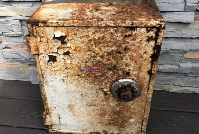 Some Old Safes Can Be Pretty Resourceful