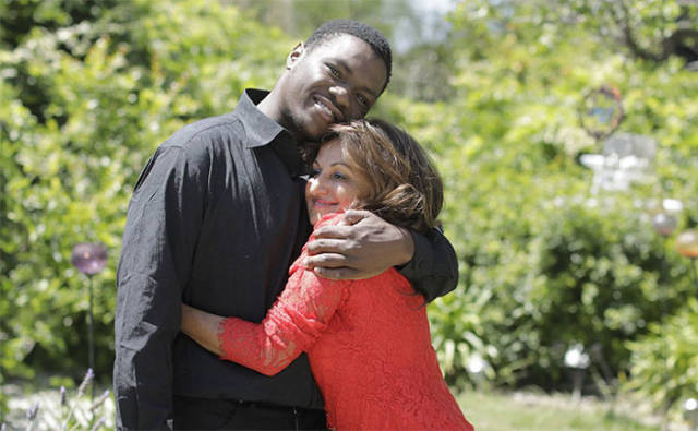 Woman Who Saved A Baby 20 Years Ago Finally Meets Him Again