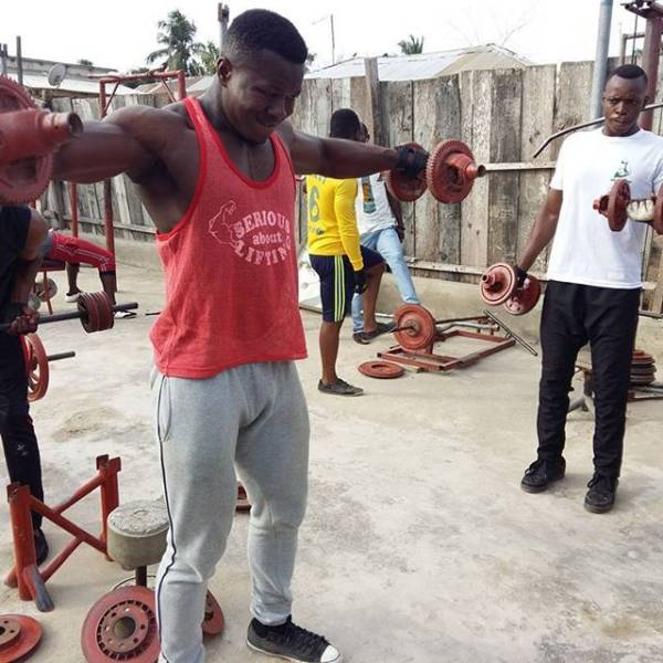 In Africa They Don't Need A Real Gym – They Can Make One Themselves!