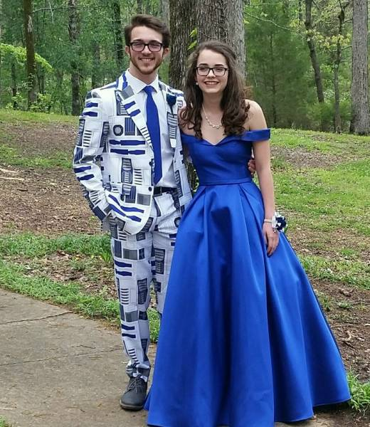Fashion Police Is Still Looking For These Graduates