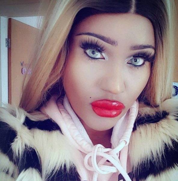 What Have They Done With Their Lips?!