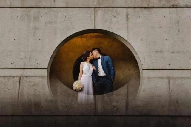 Check Out This Simple Trick From A Wedding Photographer
