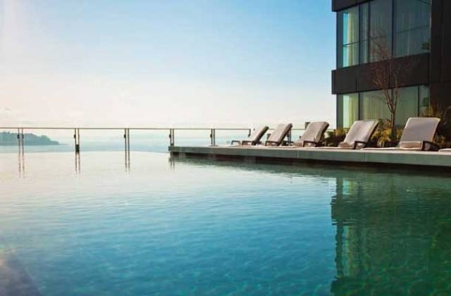 Wanna Dive Into The World's Best Swimming Pools?