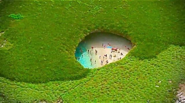 There's A Beach In Mexico That Is Hidden From Everyone