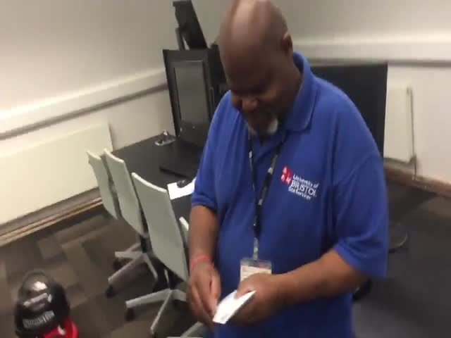 This Cleaner Totally Deserved His Little Gift That Students Prepared For Him