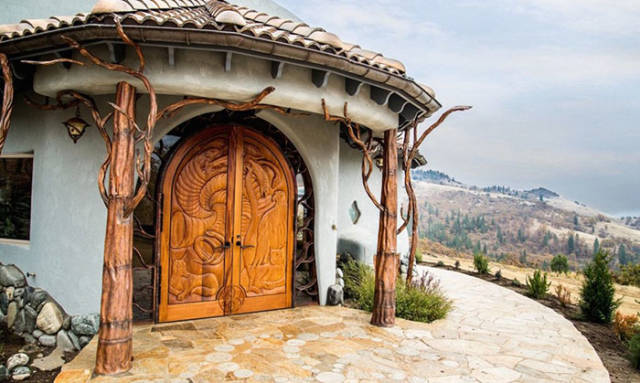 This House Could Be A Portal To A World Of Wonder