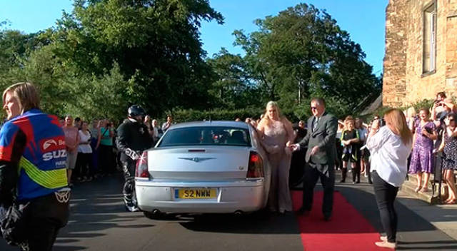 This Girl Was Bullied From Early Age, But Solved That Problem When It Came To Her Prom