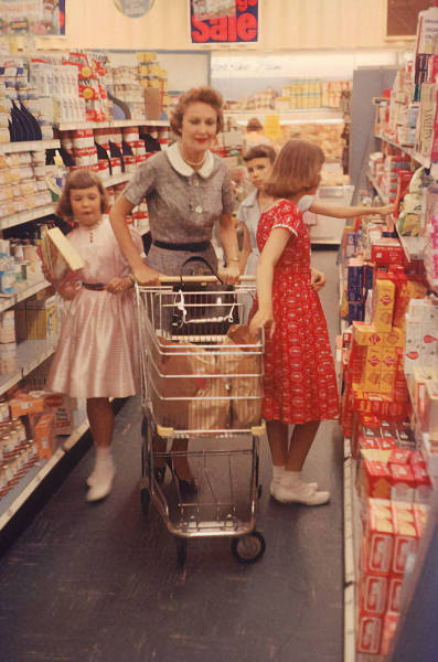 How Shopping Looked Like In The Past Century