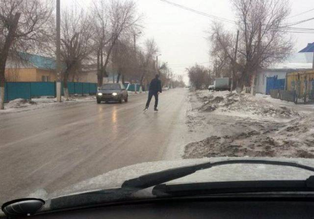 Russian Roads Have Literally EVERYTHING!