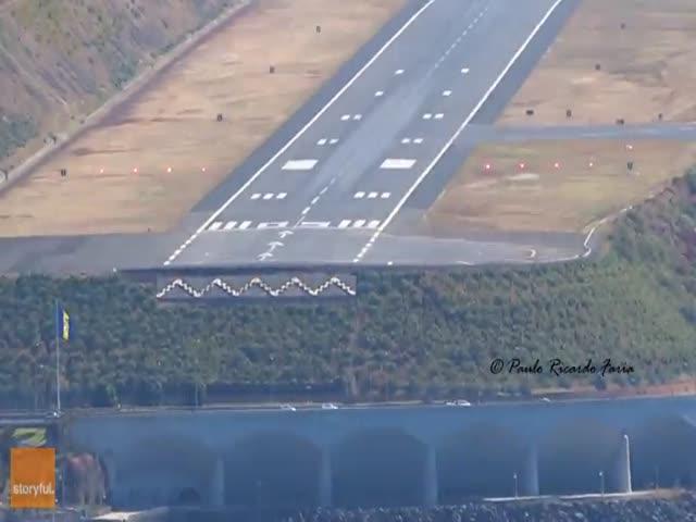 Imagine What Passengers Felt During This Landing