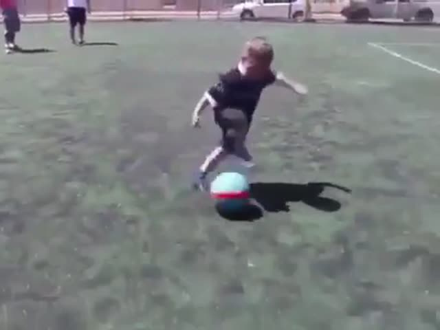 That Kid Should've Played In The World Cup!