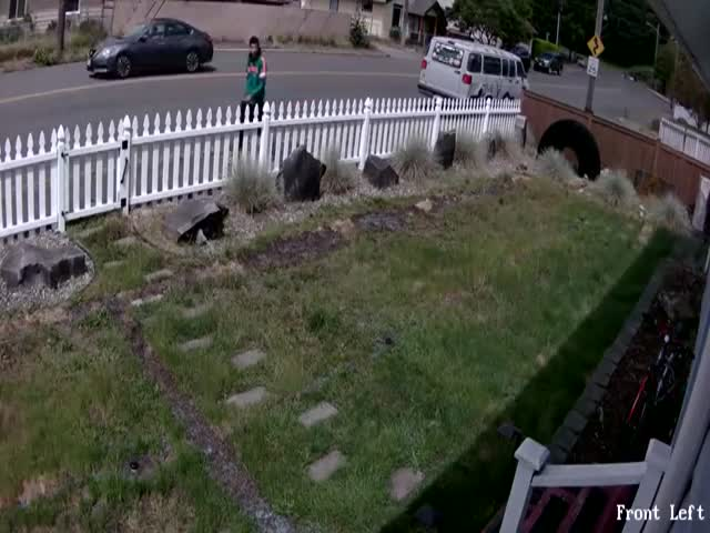 Idiot Kid Tries To Steal From The Wrong House