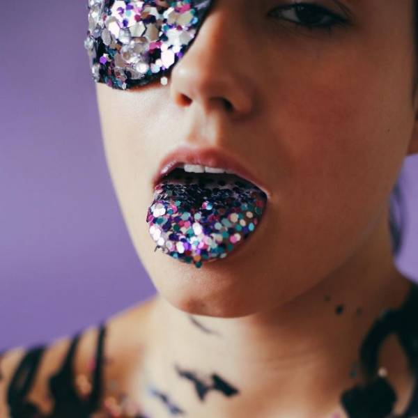 Instagram Strikes With Another Crazy Beauty Trend