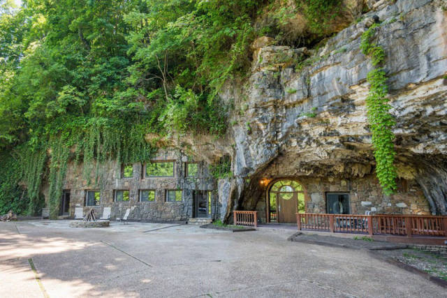 Wanna Live In The World's Most Luxurious Cave?