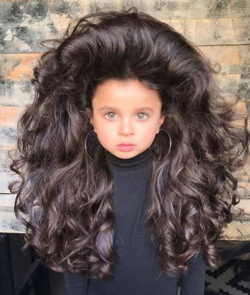 This Girl Is Already A Superstar Thanks To Her Majestic Hair, And She Is Only Five!