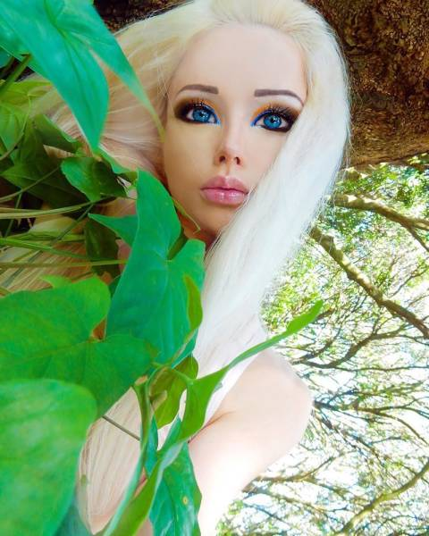 how �real life barbie� looks without her makeup 14 pics