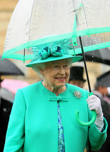 Queen Elizabeth Always Matches Her Outfits!