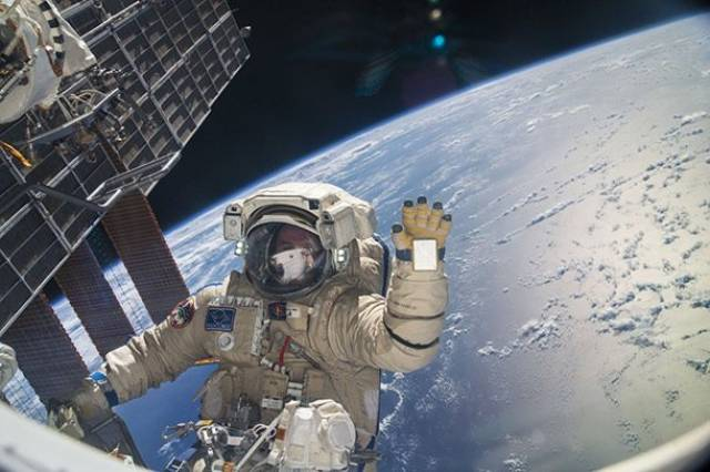 There's Some Things People Should Learn From Astronauts
