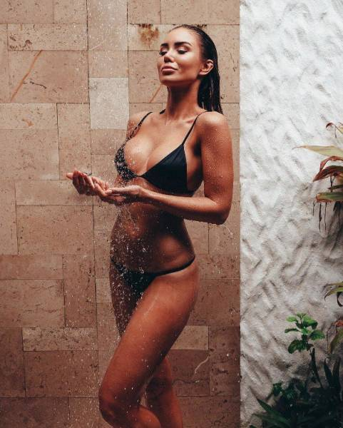 Girls Are All Wet And Ready