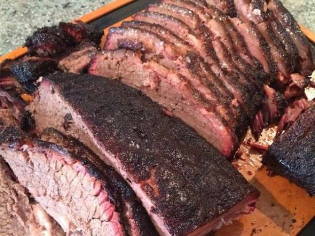 A List Of Foods That Are Absolutely Perfect for Tailgating