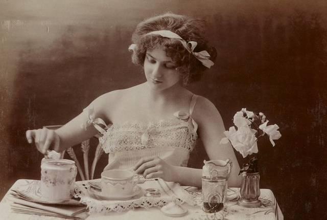 How Erotica Looked Like 100 Years Ago