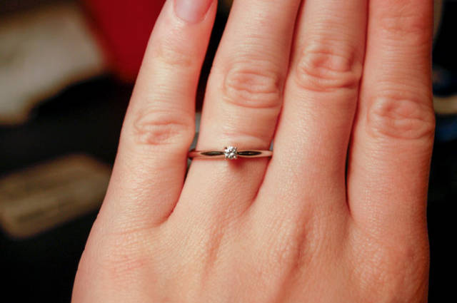 Woman Decided To Publically Shame Her Fiancé For Spending Too Little On The Proposal Ring