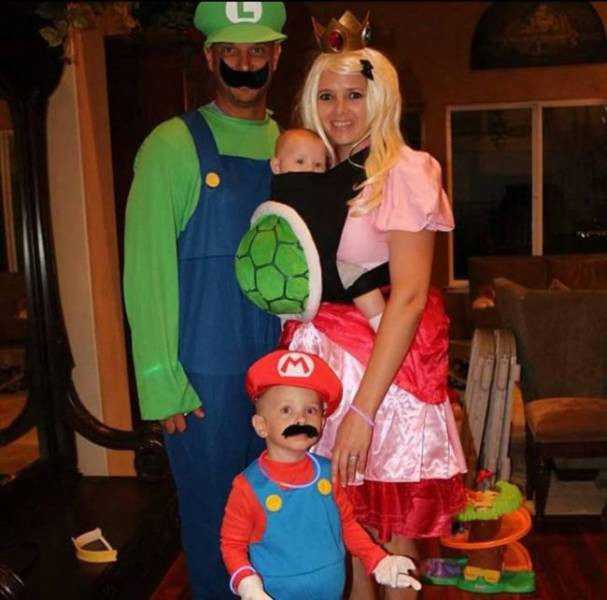 halloween makes families show their collective creativity  35 pics