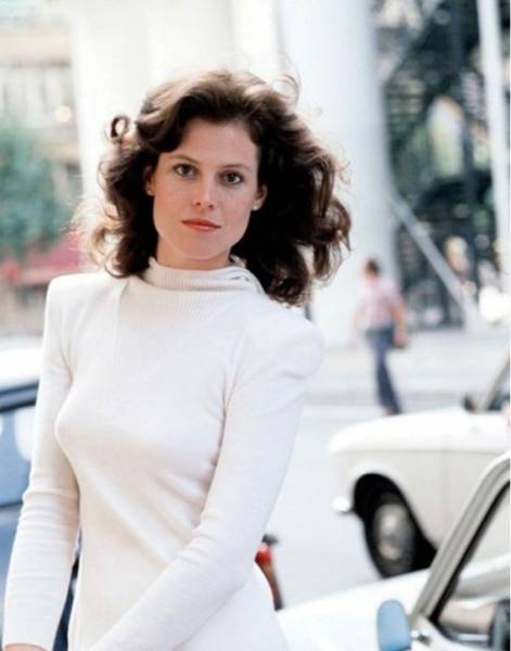Beautiful Sigourney Weaver