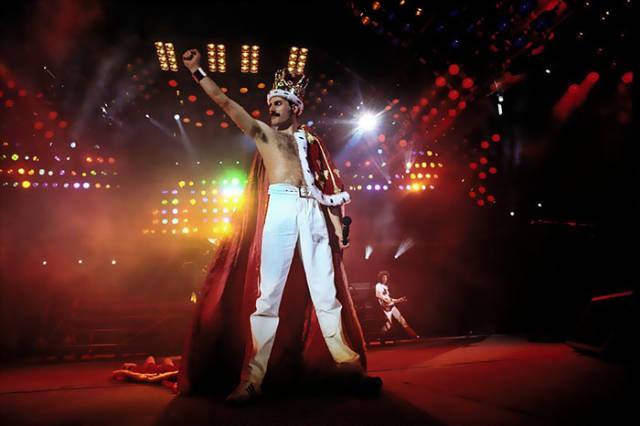 Elton John Reveals Details About Freddy Mercury's Final Days