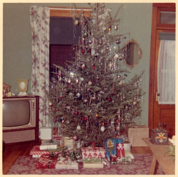 Christmas Decor Was Kinda Different Back In The 50 S And