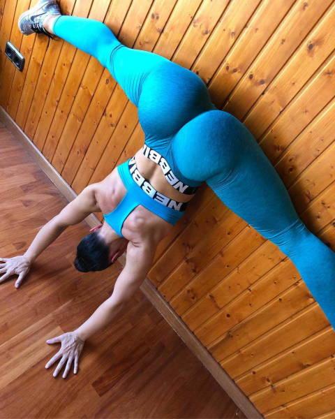 Yeah, Move Those Yoga Pants 49 Pics - Izismilecom-6548
