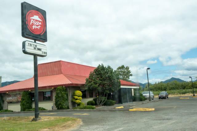 Rednecks Don't Mess Around With Restaurants