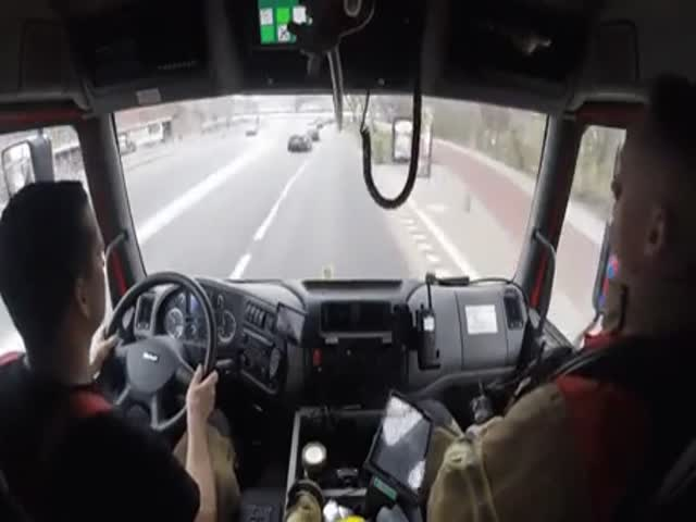 How Firefighters Drive To A Scene