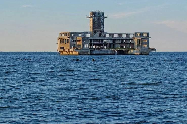 Abandoned Sites Are Both Terrifying And Hypnotizing