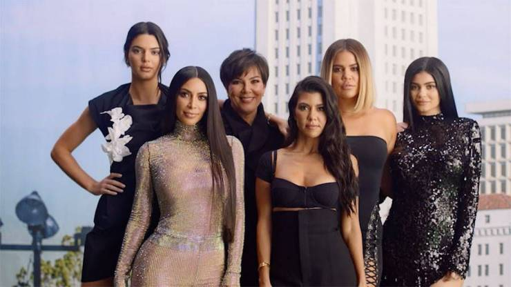 Kardashian Sisters Look Different Without Makeup