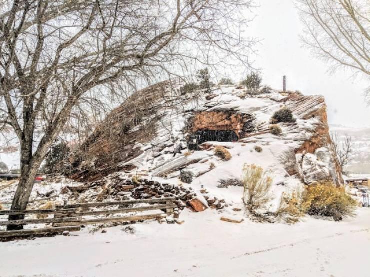 Hidden Rocky Houses In Southern Utah