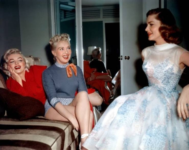 "Behind-The-Scenes Shots From The Set Of ""How to Marry a Millionaire"""