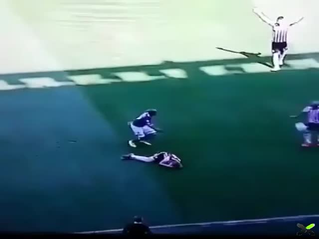 Definition Of Football In 15 Seconds