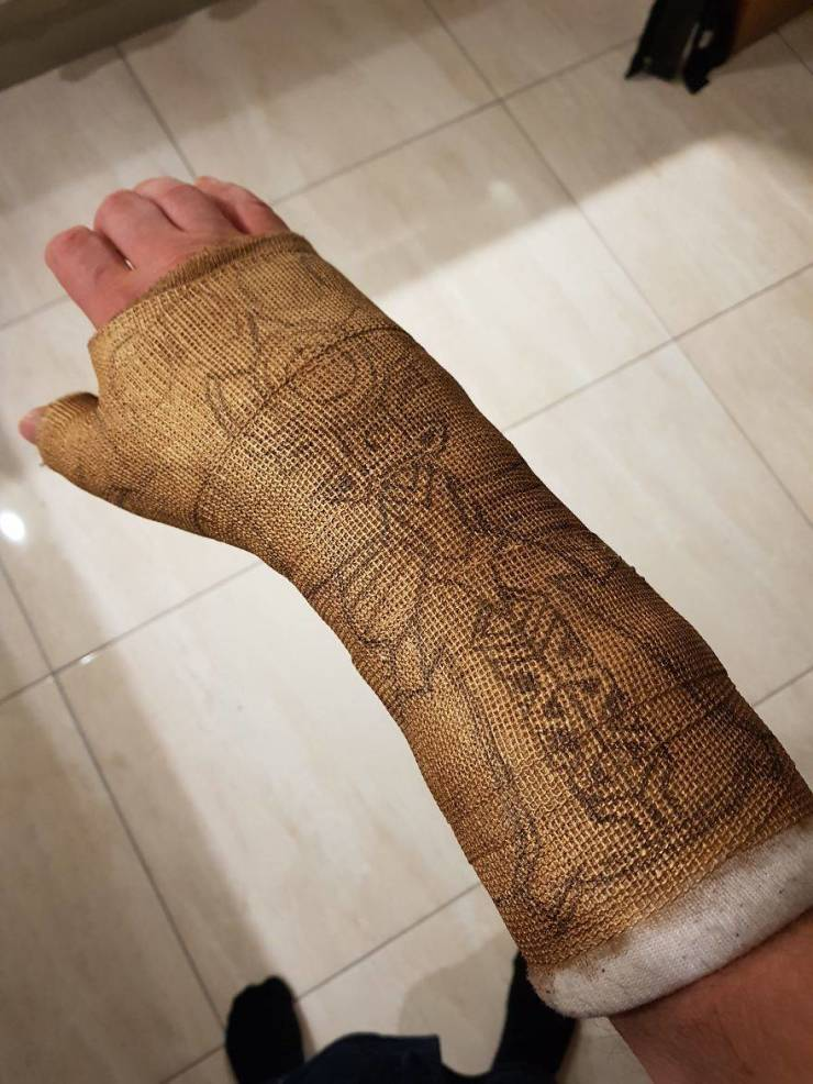 Guy Turns Himself Into Thanos After Breaking His Wrist