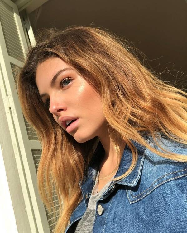 Most beautiful girl in the world Thylane Blondeau steals