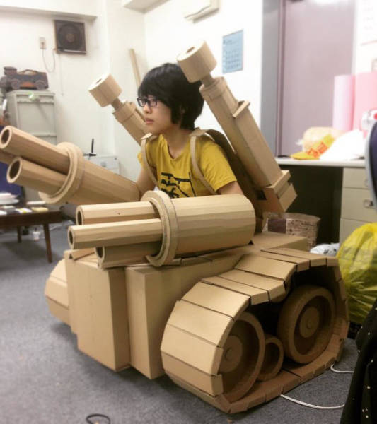 Japanese Woman Gives Cardboard Boxes Another Chance