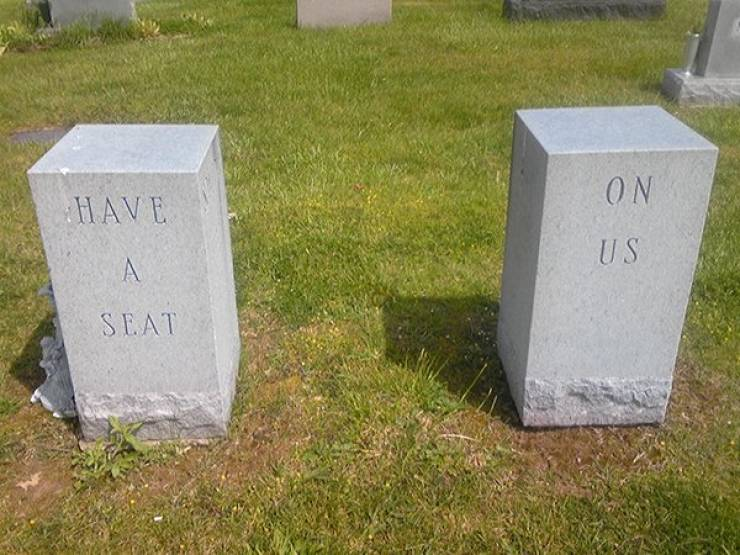 These Tombstones Are Trying To Give You One Last Laugh