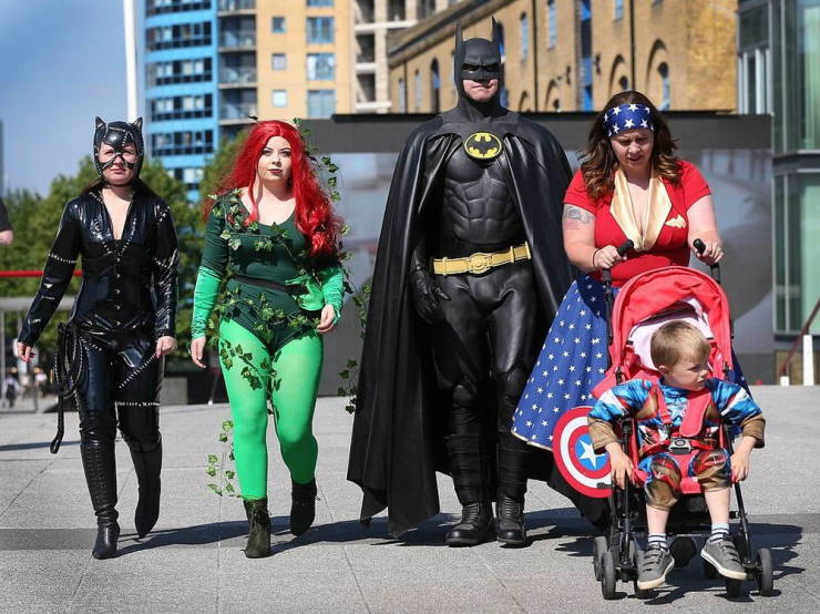 Thousands Of Cosplay Lovers Gather For The Yearly London Comic Con