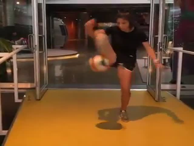 Look How She Handles That Ball!
