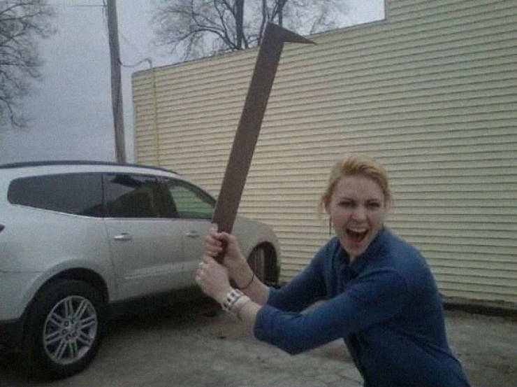 Everyone Needs To Have An Uruk-Hai Sword!