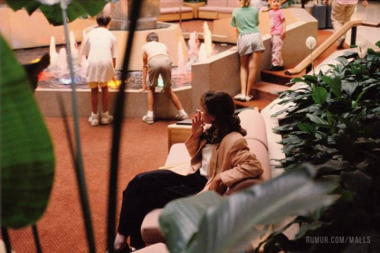 American Malls Were So Different Back In The 80's