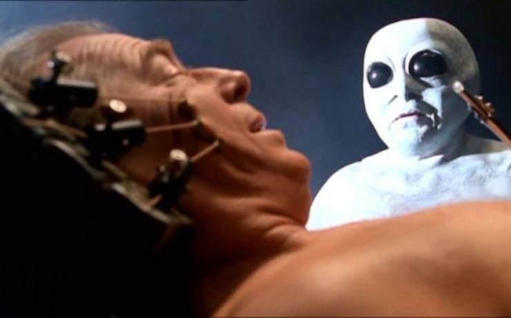 Theories On Why Aliens Don't Contact Us