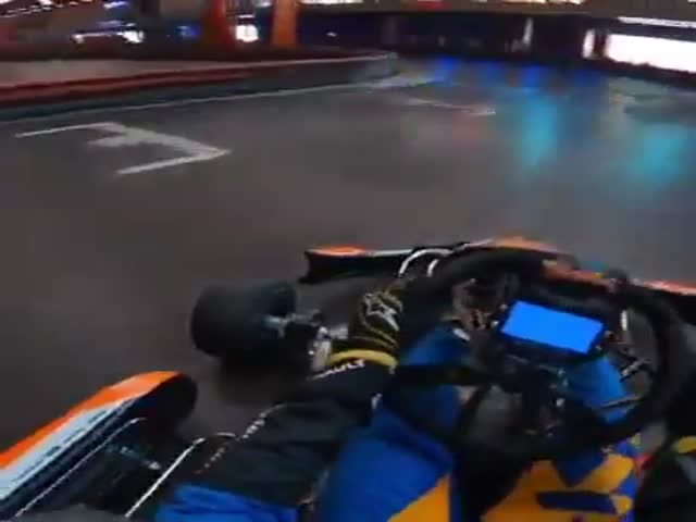 Go-Cart Is Easy For An F1 Racer